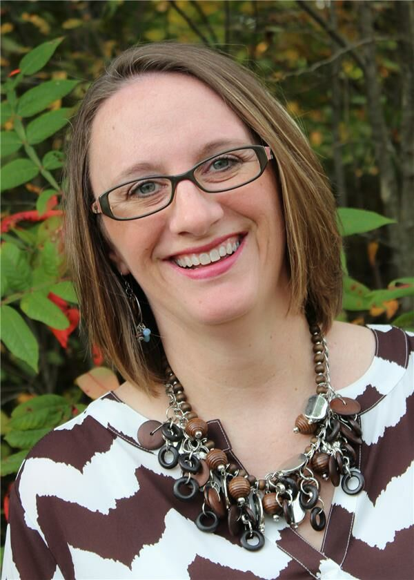 Jenny Engelau, Sales Associate in Columbus, BHHS Indiana Realty