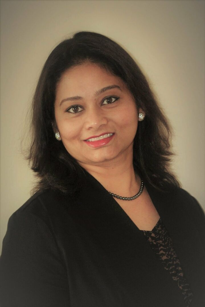 Rakhee Narsude,  in San Jose, Intero Real Estate
