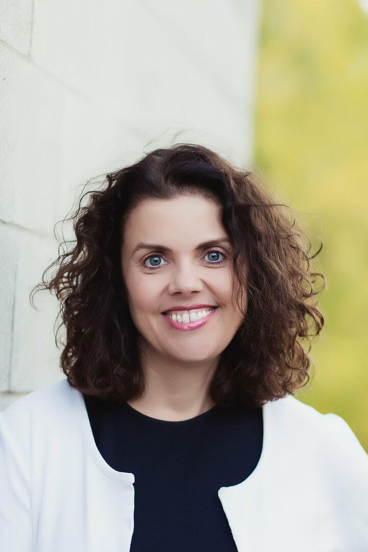 Gina Weigum, Broker in Bellevue, Windermere