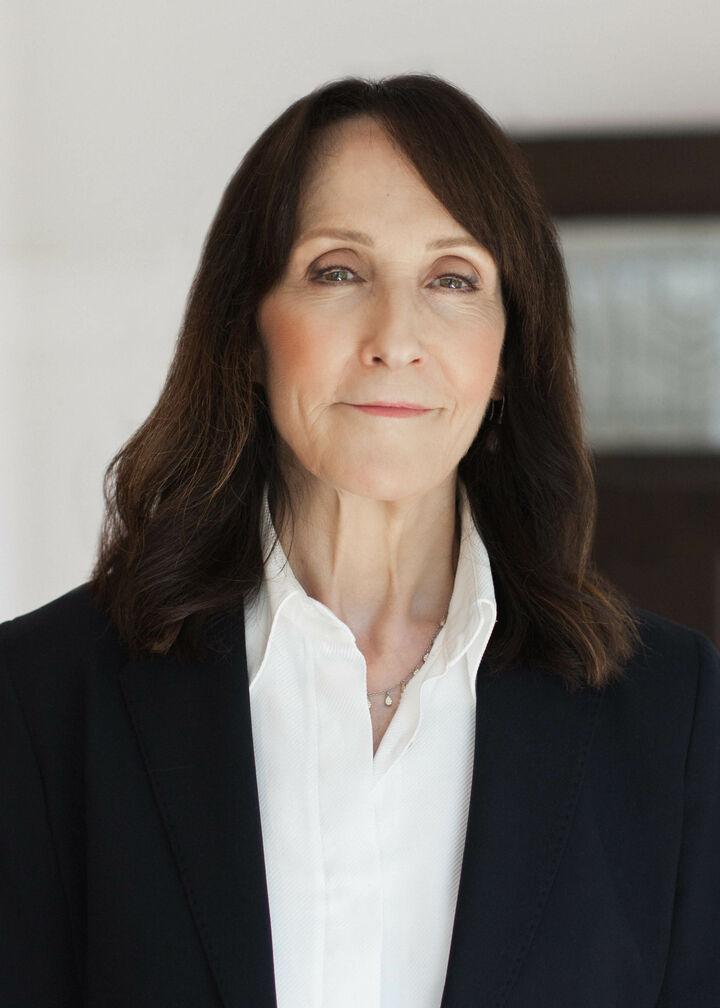 Suzanne Charnos, Realtor/Broker in Seattle, Windermere