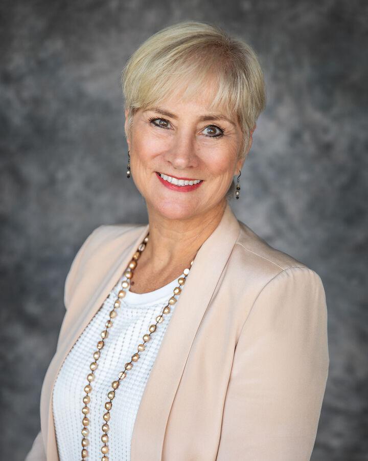 Elizabeth Fry, Broker/CEO in Vacaville, Intero Real Estate